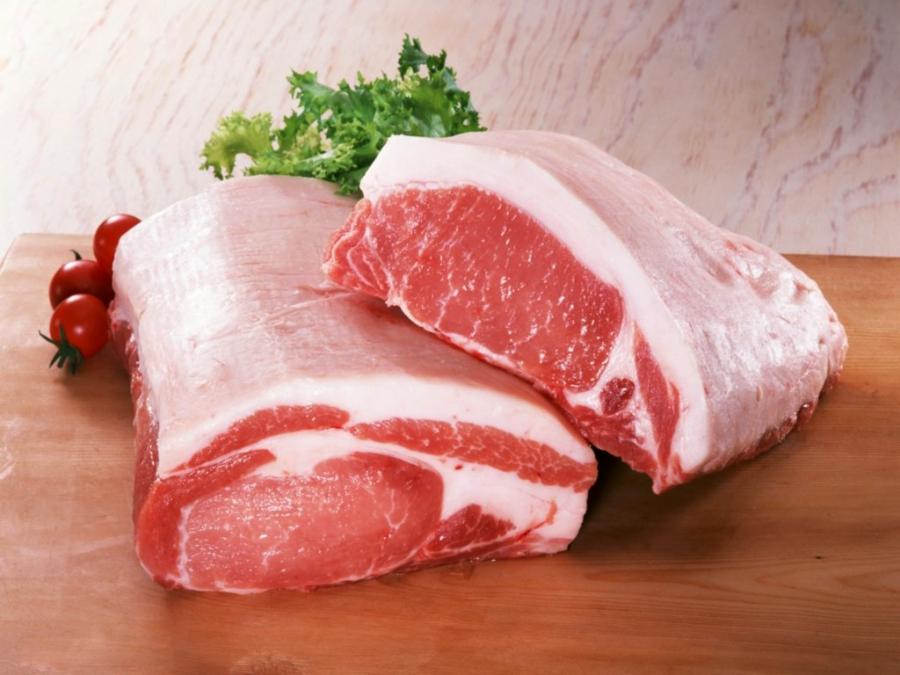 Средняя цена в апреле на свинину в России составила 305,77 руб./кг